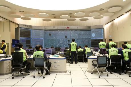 Shin Kori 3 control room - 460 (KHNP)